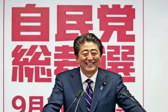 Abe, une longévité record sans successeur en vue