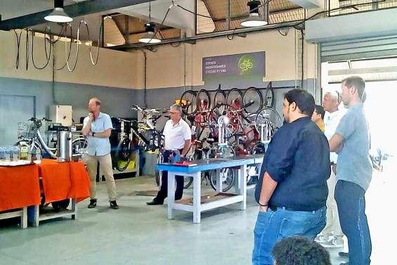 Un abri et un atelier de maintenance pour vélos électriques à Jules-Garnier