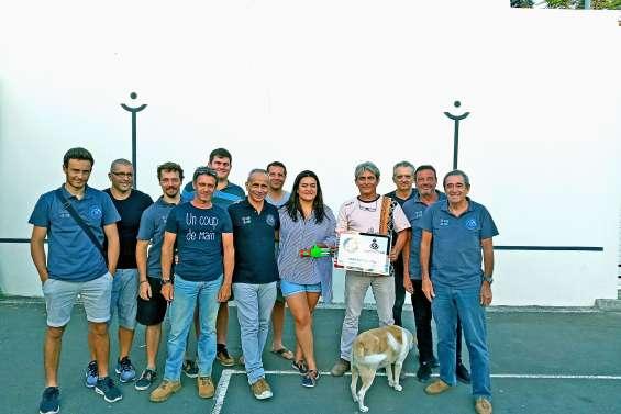 Le Fronton basque fait un don de 400000 francs à E-Nable