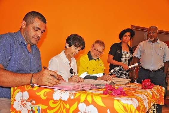 La salle de Poro inaugurée, un nouveau partenariat avec la SLN est signé