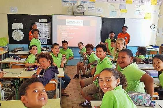 La Sécurité civile  de passage à l'école Daniel-Mathieu