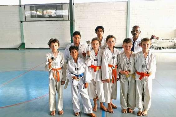 Les jeunes du club de taekwondo MKC récompensés