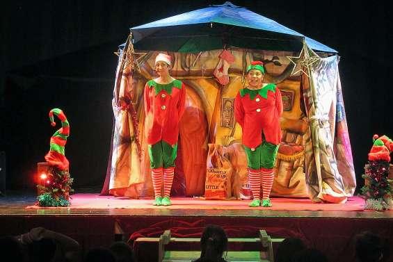 Le Noël des lutins présenté  aux scolaires de la commune