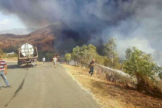Le feu de Ouégoa continue de progresser