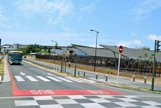 833 panneaux solaires au cœur  du centre urbain de Koutio
