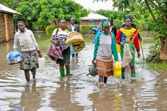 Au moins 265 morts après plusieurs semaines de pluie