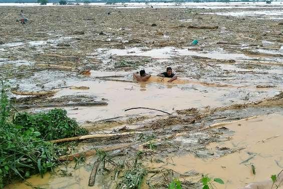 Treize morts lors du passage du typhon Kammuri