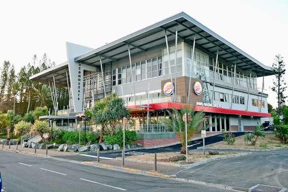 Le Burger King de l'Anse-Vata a ouvert ses portes