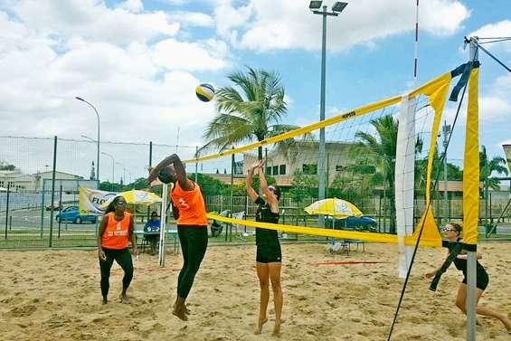 Sur sable ou en salle, deux finales  de volley au programme