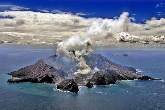 Eruption d'un volcan : des morts et des disparus