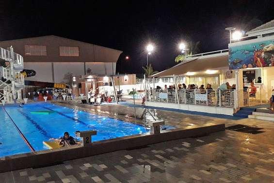 Les nocturnes de la piscine de retour