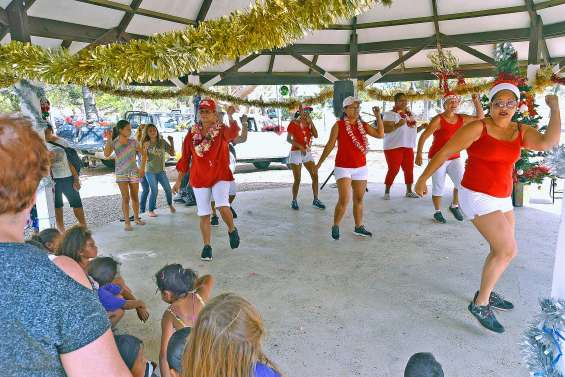 L'ambiance était aux fêtes de Noël, hier, à Tontouta