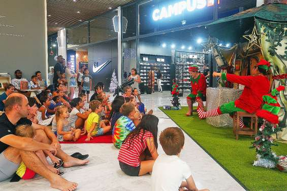 La magie de Noël continue d'animer le Dumbéa mall