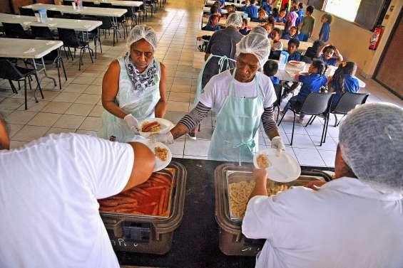 Au conseil municipal, la fourniture des repas scolaires fait débat