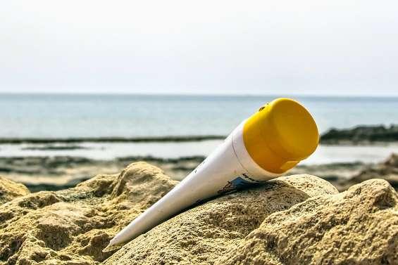 Les crèmes solaires toxiques dorénavant interdites pour protéger les coraux