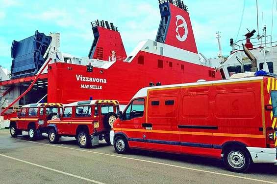 La Corse fait un don aux pompiers calédoniens