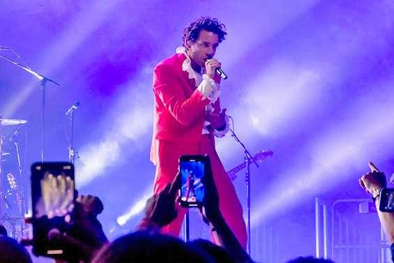 Il reste des places pour le concert de Mika