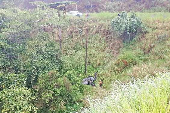 Une automobiliste termine sa route dans un fossé à Kouaoua