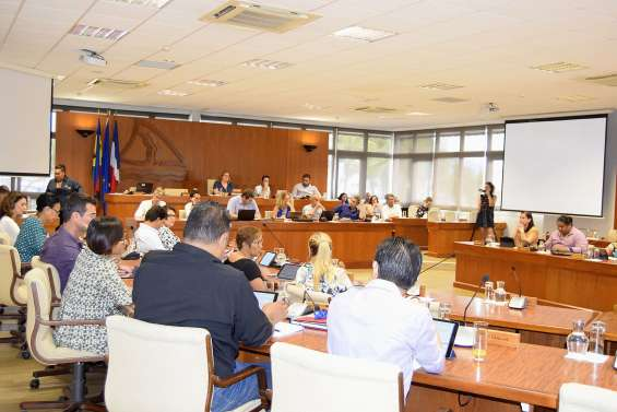 Le projet éducatif au centre des débats à la province Sud