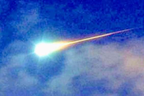 Un « bolide de feu » déchire le ciel pour la Saint-Valentin