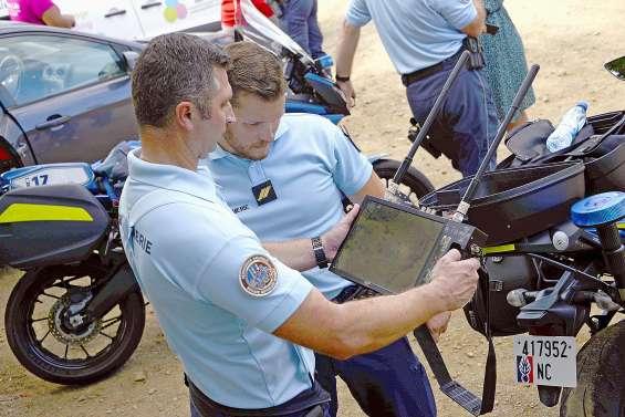 Les gendarmes à l'affût des infractions routières, depuis le ciel