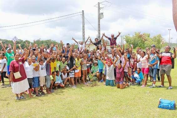 Le collège de Hnaizianu dit au revoir à Patrice Leguy