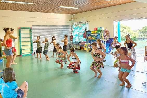 Les cours de danse tahitienne ont repris à l'école Léonie-Avril