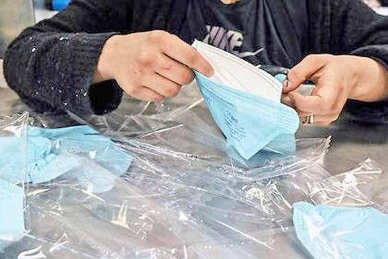Le prix des masques, des gels et des gants sera bientôt encadré