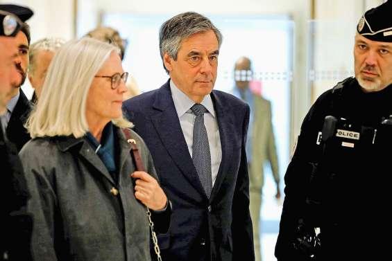 Prison ferme requise contre François Fillon