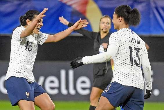 Les Françaises arrachent un match nul devant des tribunes vides