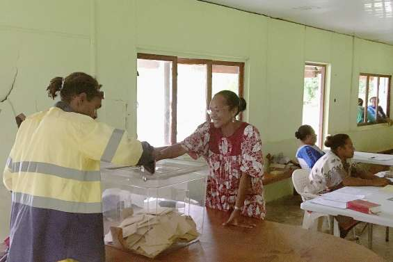 Houaïlou : Pascal Sawa réélu au 1er tour