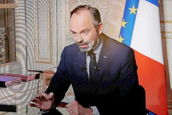 Edouard Philippe martèle les consignes et balaie les « polémiques »