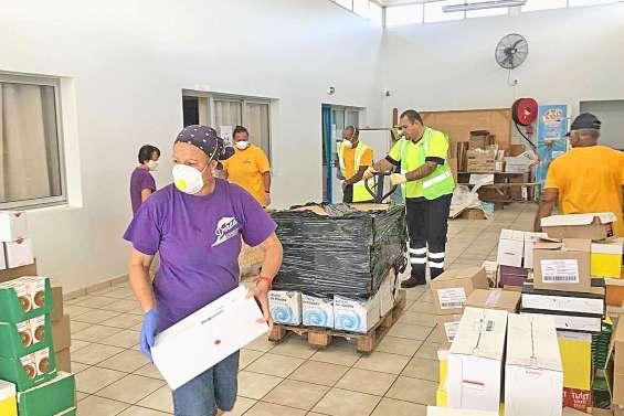 Quatre à cinq tonnes d'invendus distribuées aux associations