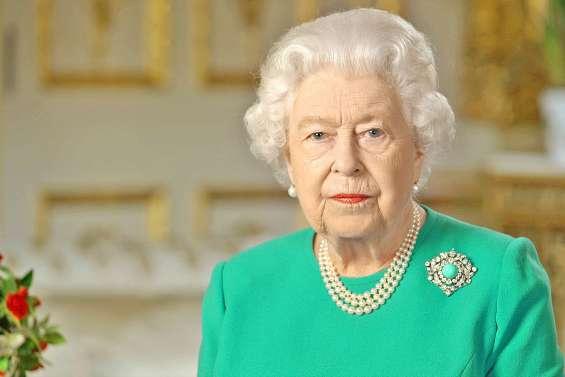 Elizabeth II appelle les Britanniques à la résilience