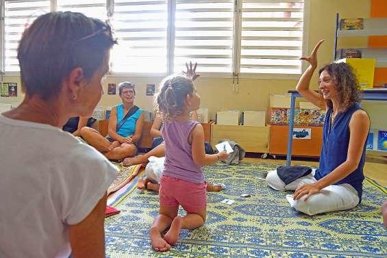 Les ateliers Bébé signe de retour vendredi à la médiathèque