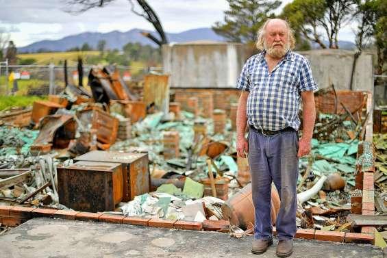Après les incendies : beaucoup d'habitants vivent toujours dans la précarité