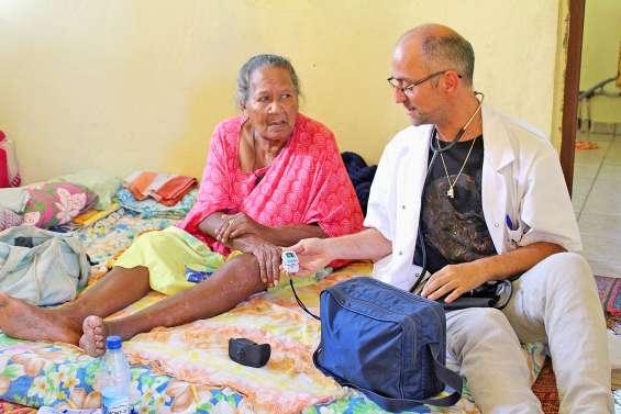 « L'infirmier en tribu entre dans l'intimité des gens »