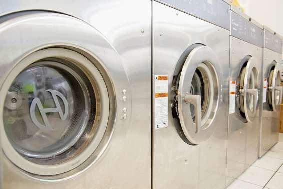 Il se fait arnaquer des millions en pensant faire fortune dans les laveries