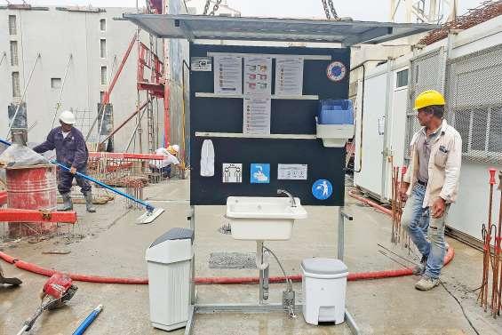Une borne tout équipée pour l'hygiène sur les chantiers