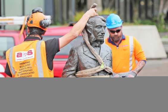 La statue d'un commandant britannique retirée à Hamilton