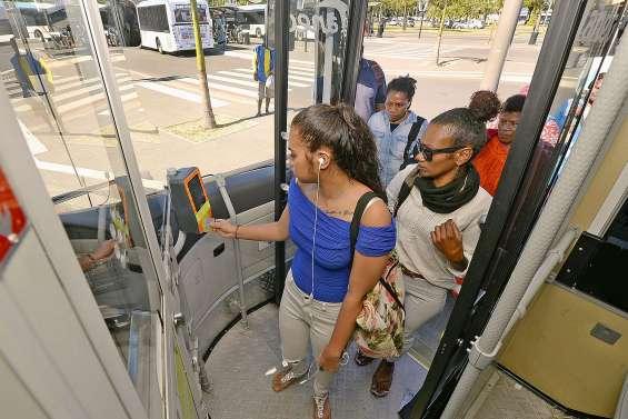 Tanéo : la reprise de la vente de tickets  à bord satisfait les usagers
