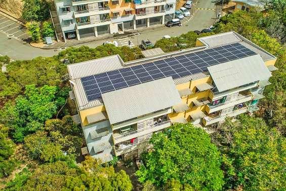 Davantage de panneaux solaires sur les toits du FSH