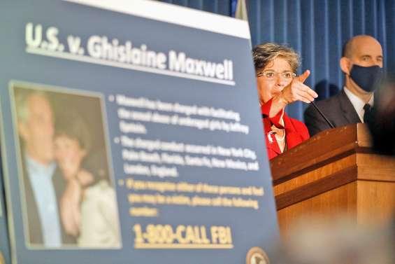Ghislaine Maxwell, l'ex-compagne  de Jeffrey Epstein rattrapée par la justice