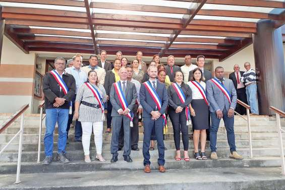Nicolas Metzdorf officiellement maire de La Foa