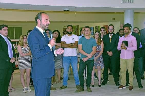 Edouard Philippe « salue » les forces politiques du pays… qui le lui rendent bien