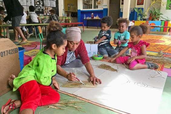Résidence culturelle et artistique à l'école maternelle du village