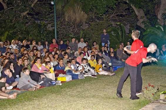 Pacifique et compagnie attire 400 personnes au match d'impro