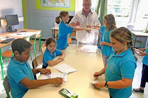 Les écoliers apprennent à voter comme les grands