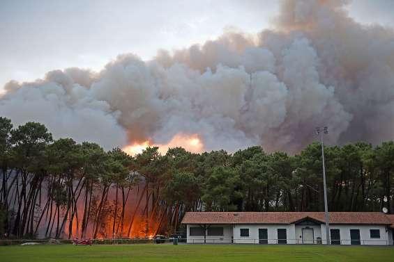 Important feu à Anglet : habitants évacués, maisons endommagées