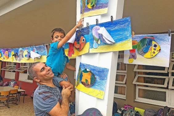 Les enfants exposent leur talent dans leur école